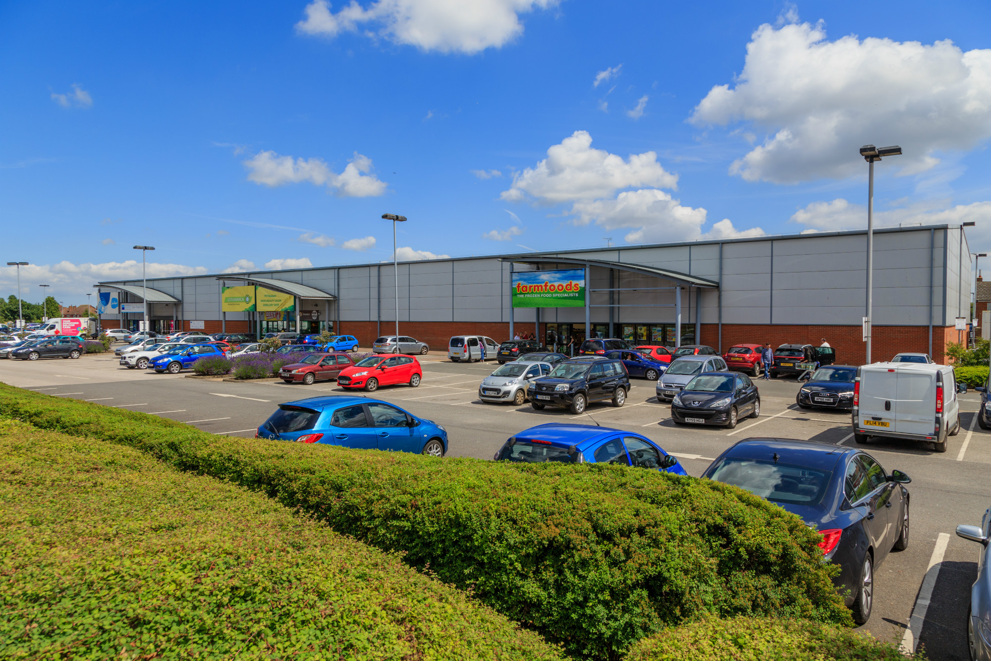St Nicholas Retail Park, Edward Benefer Way, King's Lynn, PE30 2HW, Wickes, Lituanica, Norfolk Hospice, Domino's Pizza, Sue Ryder, Farmfoods, value, discount, retail park, car park, home bargains, cheap prices,